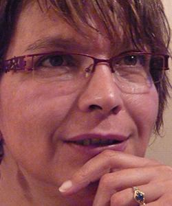 Véronique Hazaël-Massieux